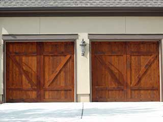 The Pros And Cons Of Wooden Garage Doors Oakland Ca